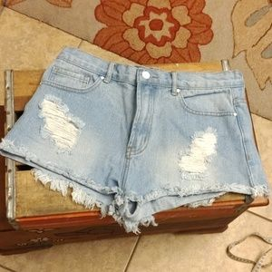 Forever 21 cut off shorts fits like 4/6